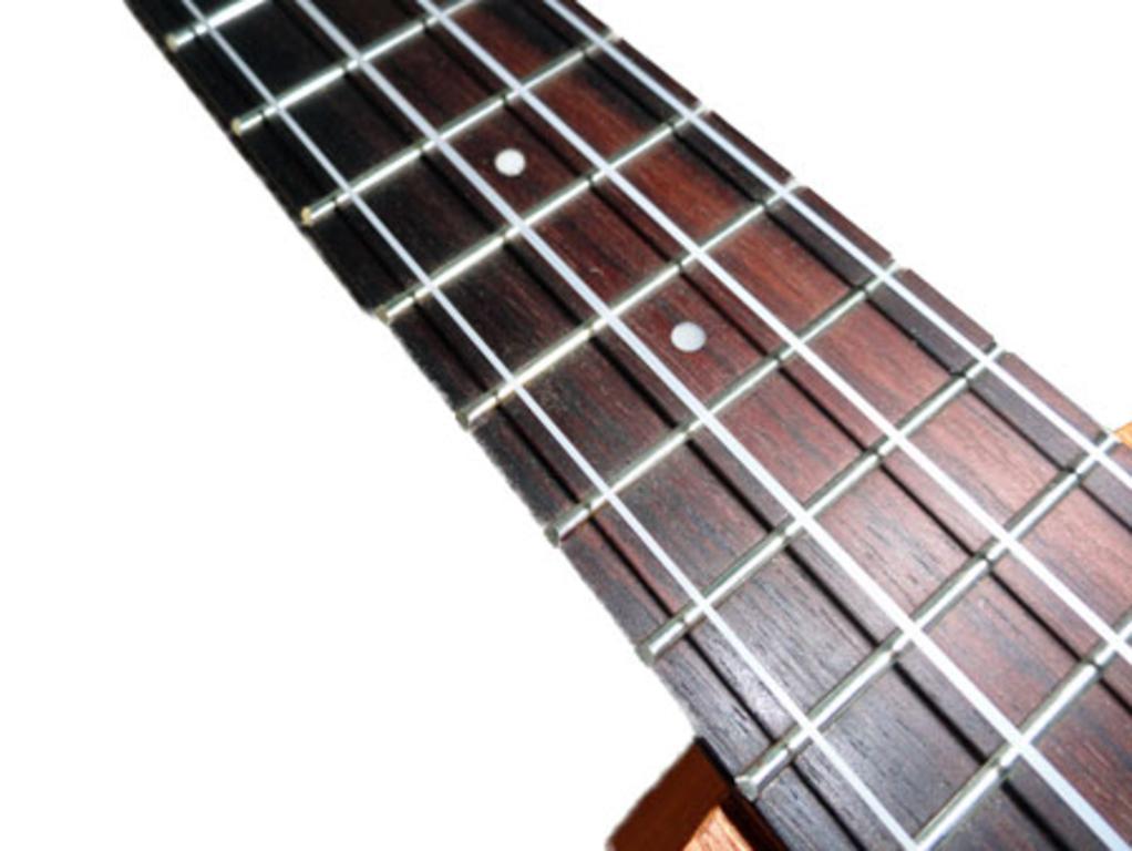 ukt500-fingerboard-13